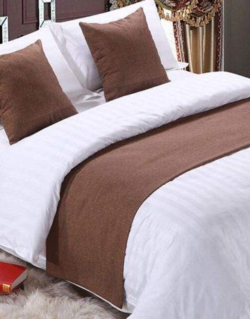 brown bed runner